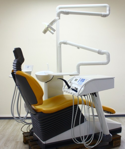 Sirona C4+ Behandlungseinheit C2+ Zahnarztstuhl