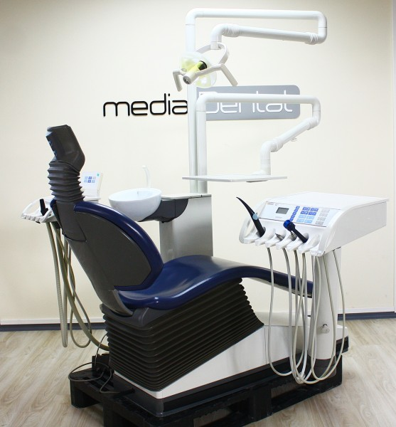 Sirona C2+ Behandlungseinheit C2+ Zahnarztstuhl